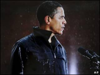 Obama bajo la lluvia
