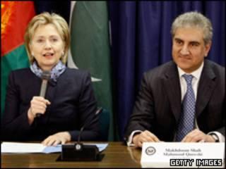 ہیلری کلنٹن اور پاکستانی وزیرِ خارجہ
