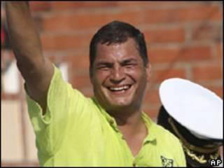 O presidente do Equador, Rafael Correa, durante campanha por sua reeleição nesta quinta-feira (AP)