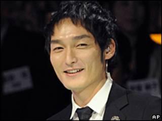 Ca sỹ Tsuyoshi Kusanagi