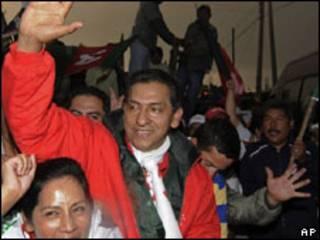 O candidato de oposição à Presidência do Equador, Lucio Gutiérrez (AP, 23/4)