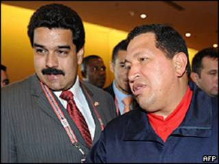 Nicolás Maduro, canciller de Venezuela y Hugo Chávez, presidente de Venezuela. Foto de archivo: 18/04/09