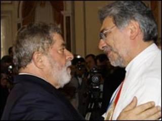 O presidente Luiz Inácio Lula da Silva e seu colega paraguaio, Fernando Lugo (Foto: Ricardo Stuckert/PR, 15/8/2008)
