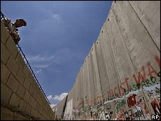 Imagen del muro que rodea la ciudad de Belén, en la Franja de Gaza.