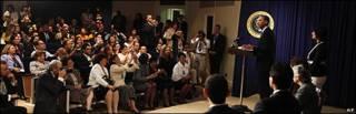 El presidente de EE.UU. frente a representantes hispanos