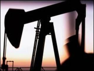 Torre extractora de petróleo