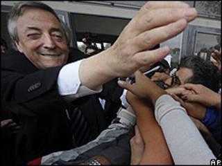 El ex presidente de Argentina, Nestor Kirchner, durante un acto electoral en Buenos Aires. 11 de mayo de 2009.