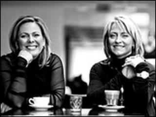 Halla Tomsdottir y Kristin Petursdottir