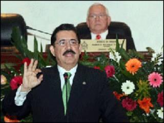 Manuel Zelaya, presidente, foto gentileza gobierno de Honduras.