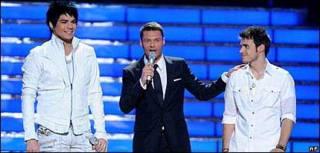 Adam Lambert, Ryan Seacrest và Kris Allen