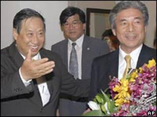 Bộ trưởng Ngoại giao Phạm Gia Khiêm và đồng nhiệm Nhật Bản