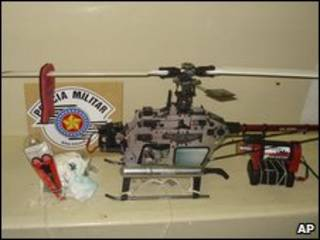 Helicóptero a control remoto.