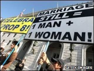 مخالفان ازدواج همجنسگرایان در کالیفرنیا