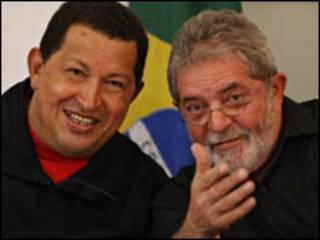 Os presidentes da Venezuela, Hugo Chávez, e do Brasil, Luiz Inácio Lula da Silva, durante encontro em Salvador, nesta terça-feira (Foto: Ricardo Stuckert / PR)