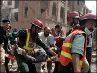 Ataque a bomba em Lahore