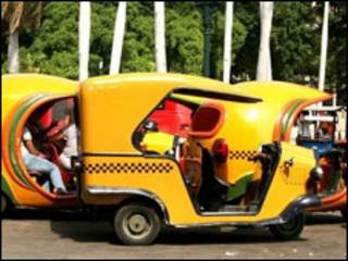 Coco-táxis em Havana