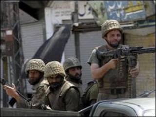 سربازان پاکستانی در مینگوره