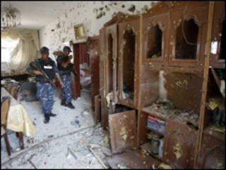 Forças de segurança palestinas no local do tiroteio