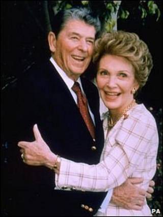 Nancy e Ronald Reagan (arquivo)
