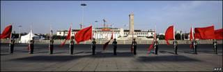 گاردهای چینی در میدان تیانانمن