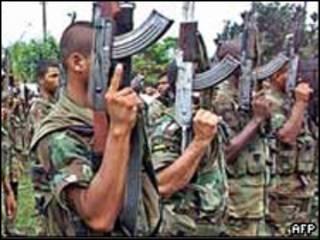 Membros do grupo Auto Defesas da Colômbia