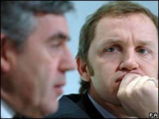 O primeiro-ministro britânico, Gordon Brown, e o secretário de Trabalho, James Purnell, que pediu renúncia nesta quinta-feira (PA, 28/01/2008)