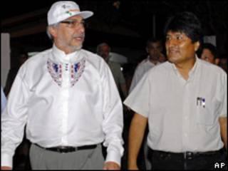 Fernando Lugo (izq.) y Evo Morales