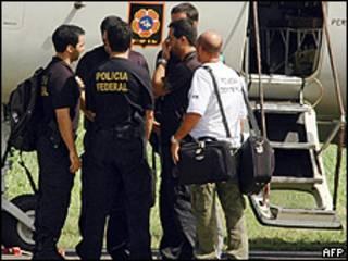 Polícia Federal chega a Fernando de Noronha para ajudar na identificação dos corpos