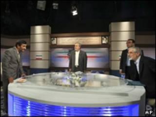 موسوی و احمدی نژاد در مناظره تلویزیونی