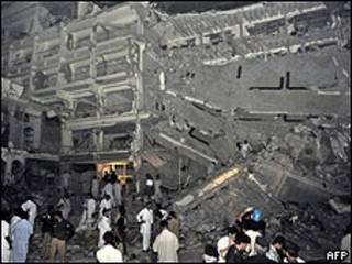 Ataque a hotel em Peshawar, no Paquistão