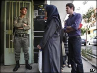رای دهندگان در تهران