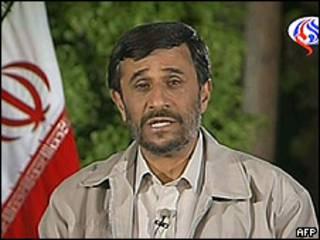 Mahmoud Ahmadinejad en Al-Alam TV.