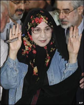زهرا رهنورد، از چهره های برجسته مخالفان دولت ایران