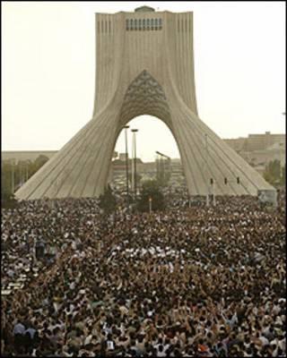 تظاهرات 25 خرداد 88 در میدان آزادی
