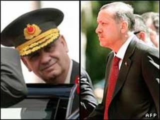 رجب طیب اردوغان (راست)، و ژنرال ایلکر باش بوغ