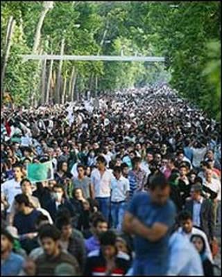 تجمع سه شنبه هواداران موسوی در شمال تهران