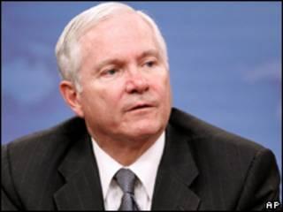 O secretário de Defesa dos EUA, Robert Gates, durante coletiva de imprensa nesta quinta-feira (AP, 18/6)