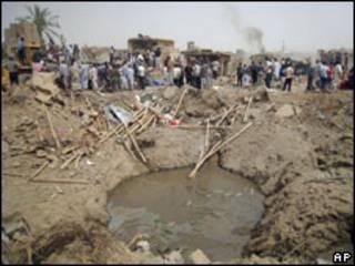 حفرة متخلفة عن انفجار في كركوك