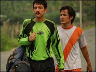 Gael García y Diego Luna en Rudo y Cursi