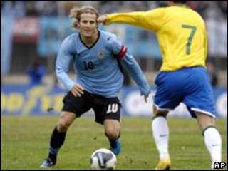 خلال مبارة أوروغواي والبرازيل في كرة القدم 6 يونيو