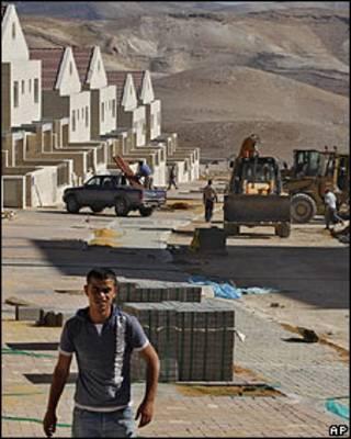 Construcción en un asentamiento israelí en Cisjordania