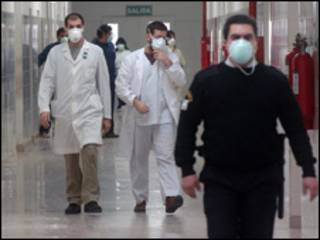 Médicos em hospital da província de Buenos Aires