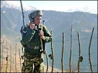 सीमा पर तैनात एक सैनिक