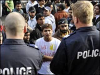 विदेशी छात्रों का विरोध