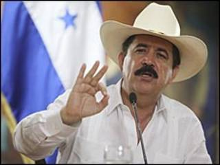 رئيس هندوراس المطاح به مانويل سيلايا