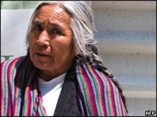 Mujer sin techo en la Ciudad de México. Foto: junio de 2009