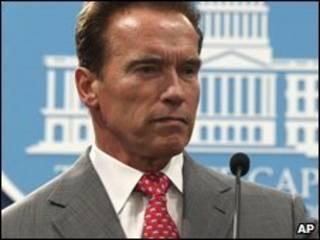 Thống đốc Arnold Schwarzenegger
