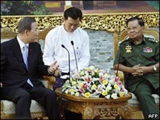 لقاء بان كي مون والجنرال ثان شوي