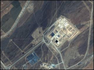 صورة بالاقمار الصناعية لمفاعل نووي ايراني