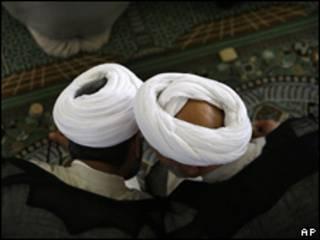 Clérigos iraníes en Teherán.